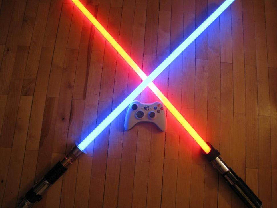 Как сделать из бумаги лазерные мечи