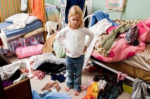 Приучить ребёнка убирать в комнате
