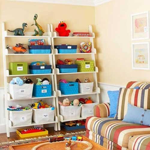 Хранение игрушек в стеллаже