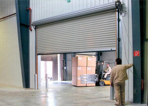 рулонные гаражные ворота