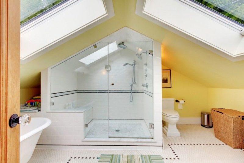 обустройства комнаты на чердаке ванная