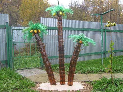 кокосы на пальме