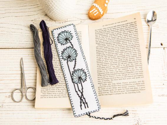 закладка для книг из ниток