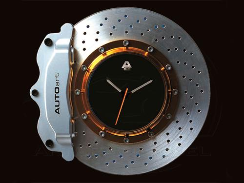 Часы из старых тормозных дисков