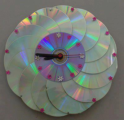 Уникальные часы из старых дисков