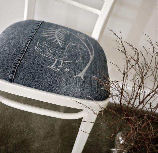 Обивка для стульев из старых джинсов