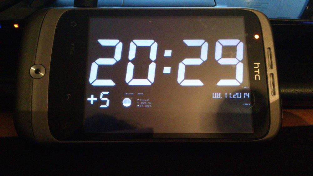 Электронные часы с будильником