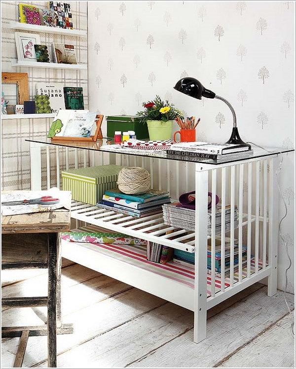Журнальный столик из старой детской кроватки