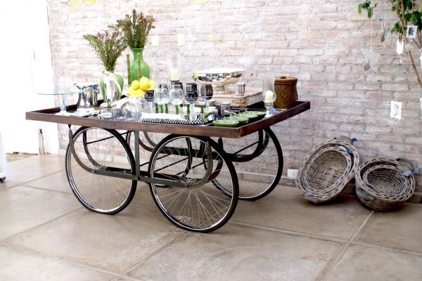 Журнальный столик из старого велосипеда
